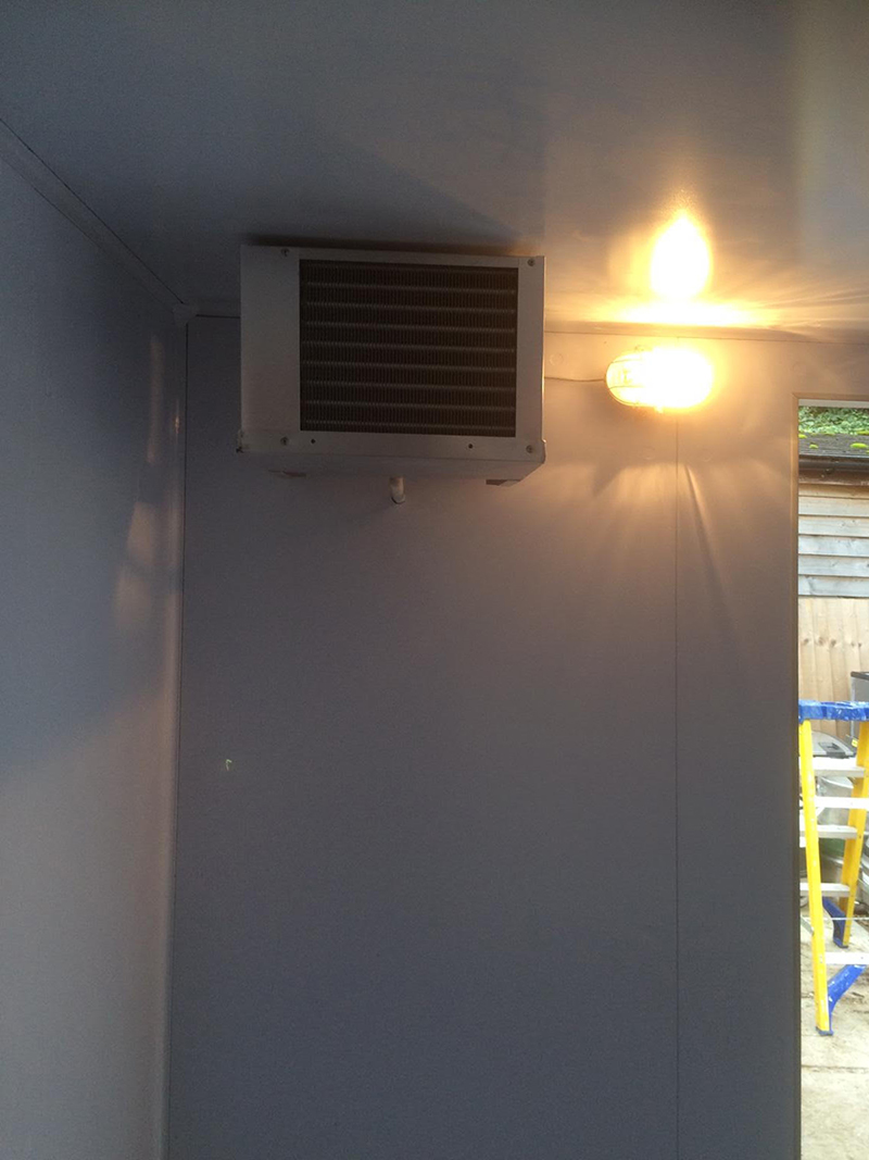 the-george-and-dragon-chiller-room-installation-in-hurstbourne-tarrant