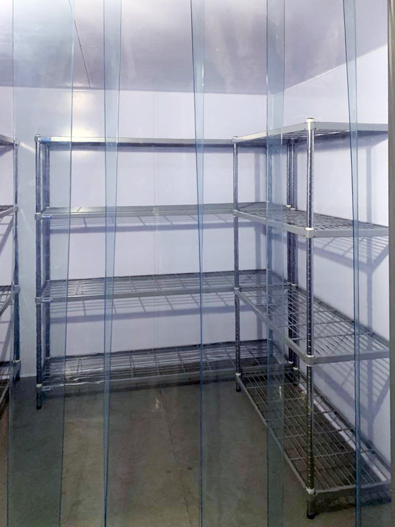 the-greek-deli-freezer-room-with-l-shape-racking-05