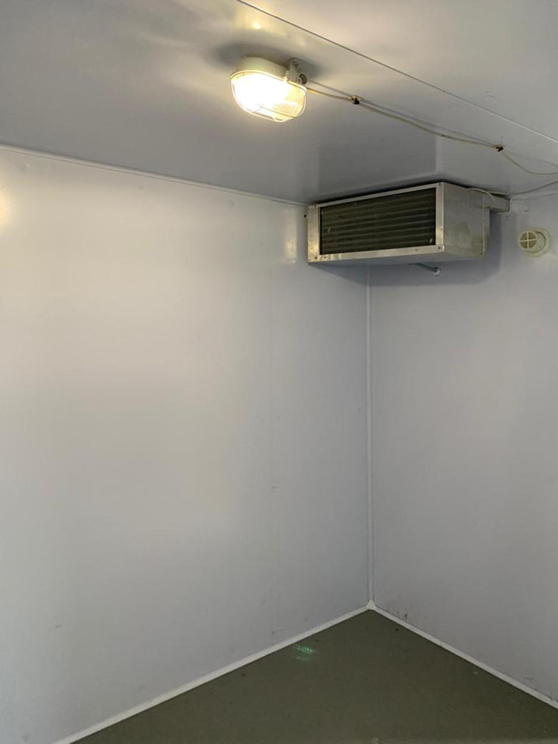 garsons-farm-moved-existing-chiller-room-with-straddle-unit-outdoor-fareham-05