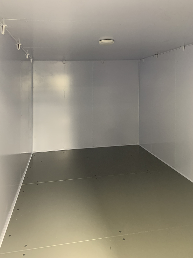 freezer-room-with-straddle-unit-at-diamond-hanger-in-stansted-06